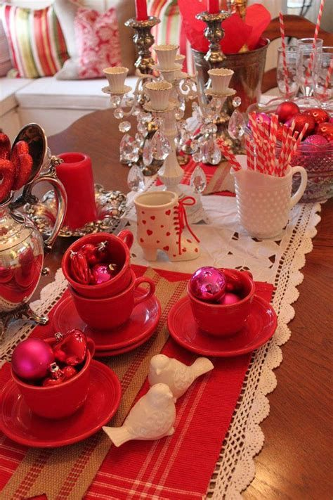 Easy Valentine Dinner Table Decorations Ideas 44