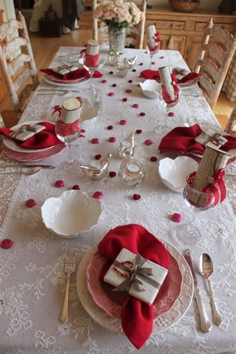 Easy Valentine Dinner Table Decorations Ideas 46
