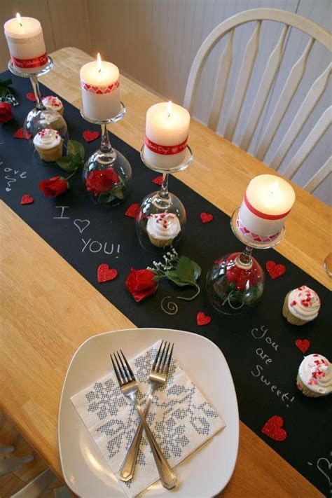 Easy Valentine Dinner Table Decorations Ideas 47