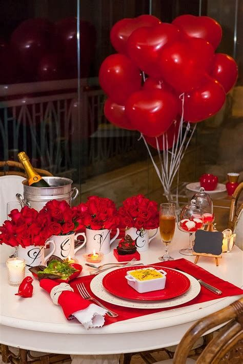 Easy Valentine Dinner Table Decorations Ideas 48