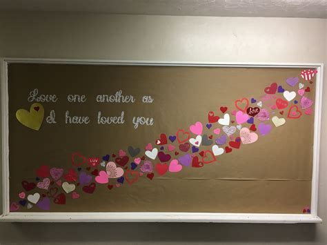Easy Valentines Board Decorations Ideas 06