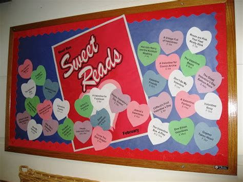 Easy Valentines Board Decorations Ideas 15