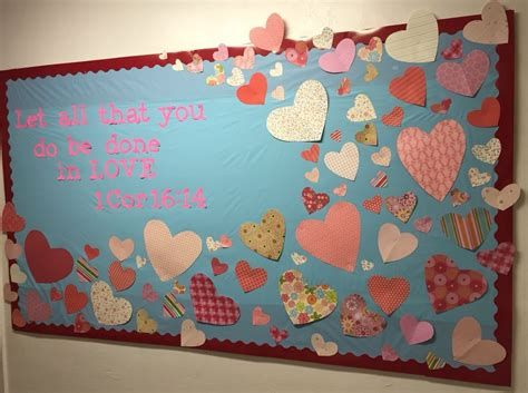 Easy Valentines Board Decorations Ideas 24