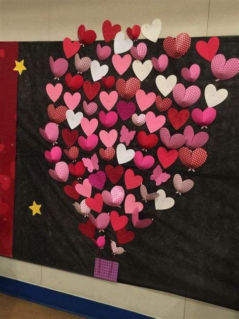 Easy Valentines Board Decorations Ideas 27