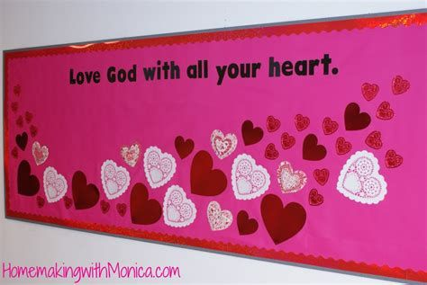 Easy Valentines Board Decorations Ideas 28