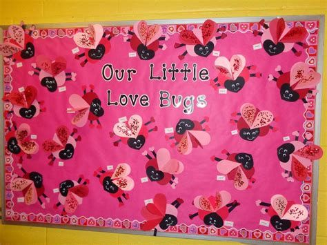 Easy Valentines Board Decorations Ideas 41