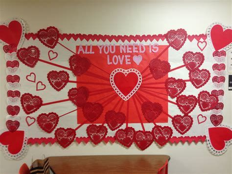 Easy Valentines Board Decorations Ideas 45