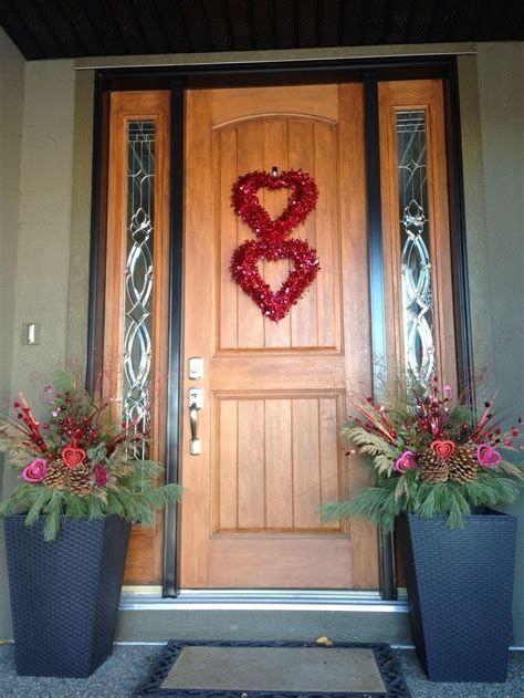 Gorgeous Valentines Day Porch Decor Ideas 03