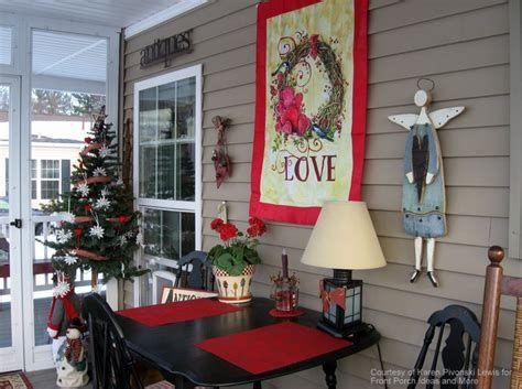 Gorgeous Valentines Day Porch Decor Ideas 04