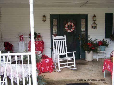 Gorgeous Valentines Day Porch Decor Ideas 10