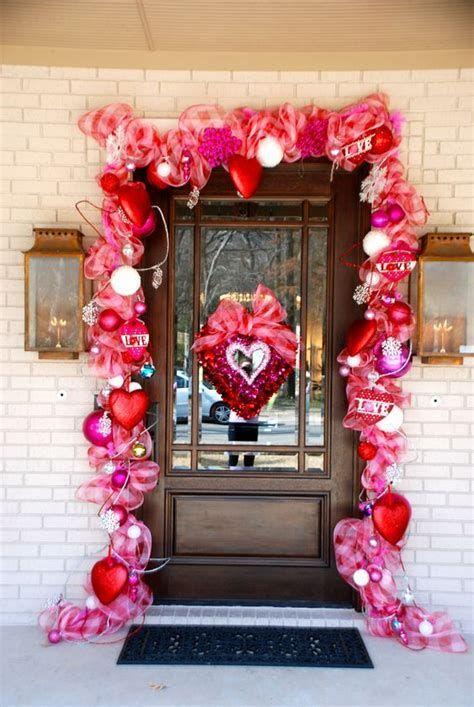 Gorgeous Valentines Day Porch Decor Ideas 15