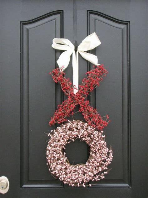 Gorgeous Valentines Day Porch Decor Ideas 16