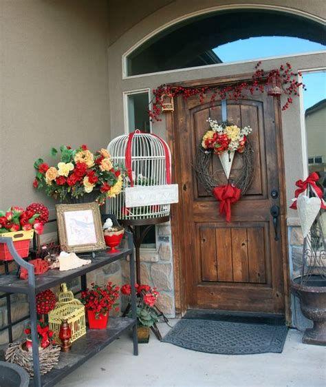 Gorgeous Valentines Day Porch Decor Ideas 24