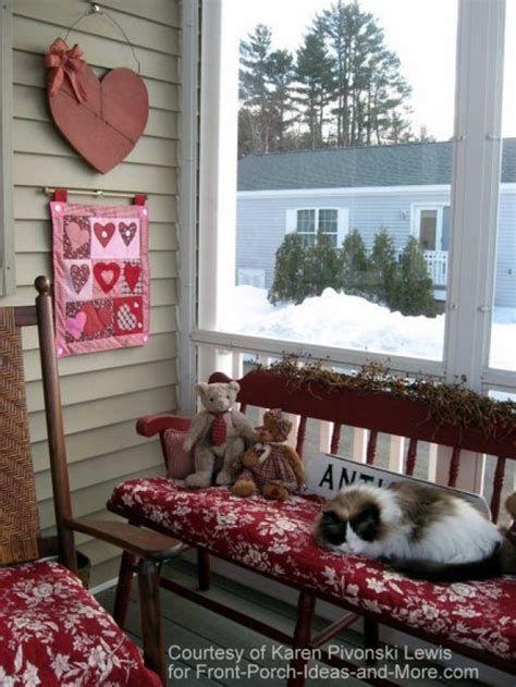 Gorgeous Valentines Day Porch Decor Ideas 29