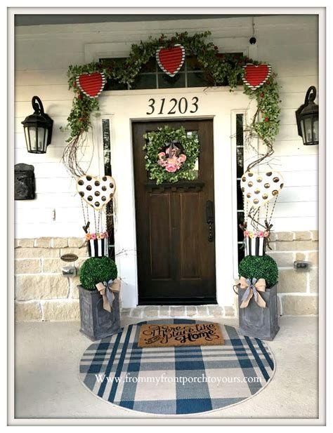 Gorgeous Valentines Day Porch Decor Ideas 30