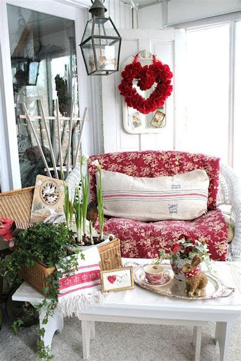 Gorgeous Valentines Day Porch Decor Ideas 32