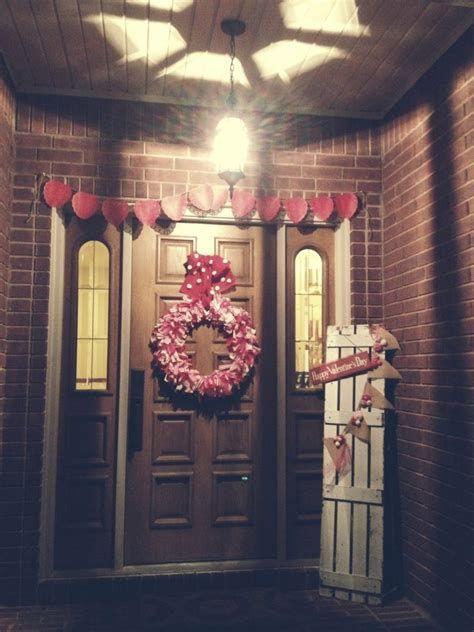 Gorgeous Valentines Day Porch Decor Ideas 37