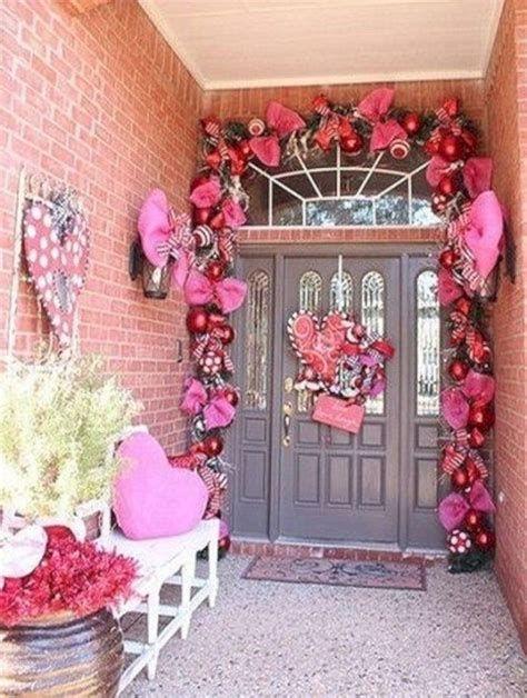 Gorgeous Valentines Day Porch Decor Ideas 39