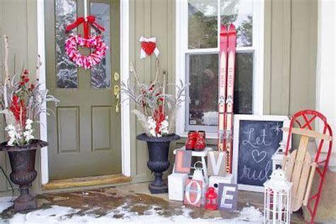 Gorgeous Valentines Day Porch Decor Ideas 40