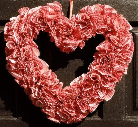Impressive Valentines Day Hotel Lobby Decorations Ideas 14