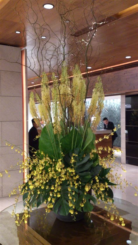 Impressive Valentines Day Hotel Lobby Decorations Ideas 23