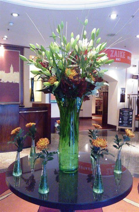 Impressive Valentines Day Hotel Lobby Decorations Ideas 25