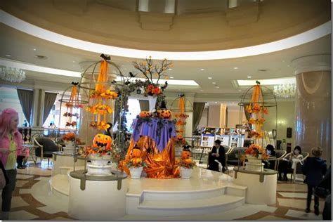 Impressive Valentines Day Hotel Lobby Decorations Ideas 26