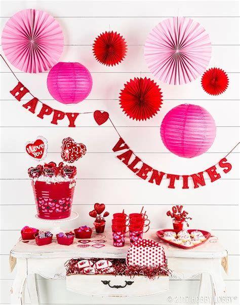Impressive Valentines Day Hotel Lobby Decorations Ideas 31