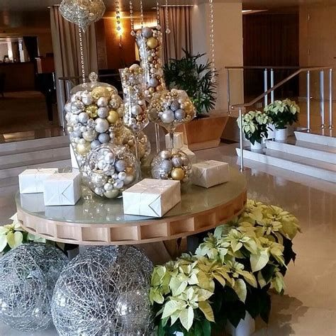 Impressive Valentines Day Hotel Lobby Decorations Ideas 34