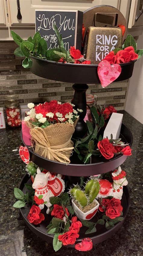 Impressive Valentines Day Hotel Lobby Decorations Ideas 36