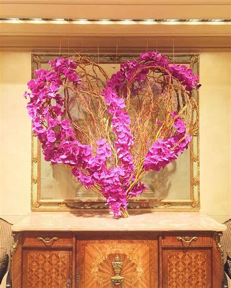 Impressive Valentines Day Hotel Lobby Decorations Ideas 38