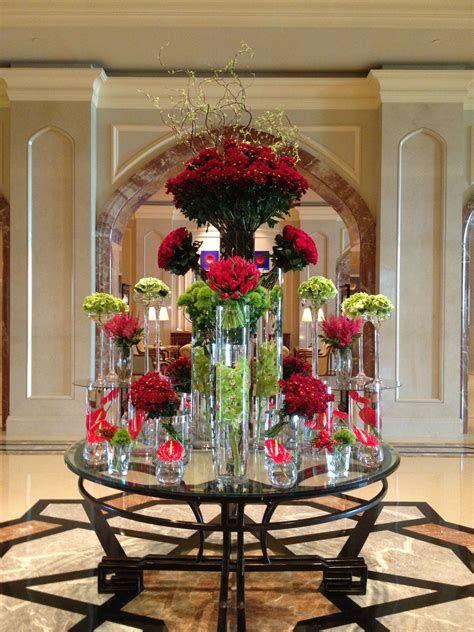 Impressive Valentines Day Hotel Lobby Decorations Ideas 40
