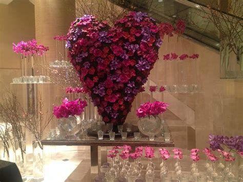 Impressive Valentines Day Hotel Lobby Decorations Ideas 42