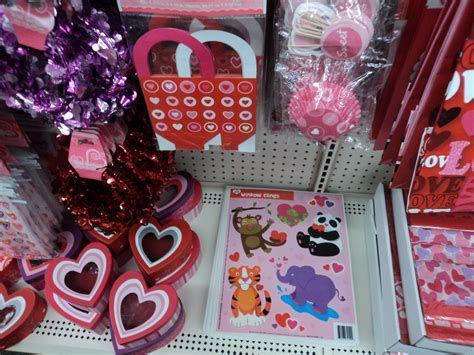 Stunning Family Dollar Valentines Decor Ideas 42