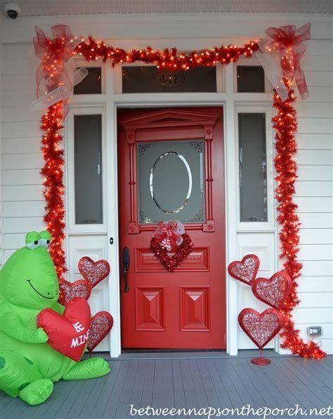 Stunning Valentines Day Door Decorating Ideas Ideas 37