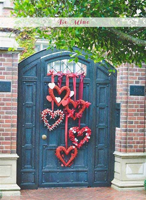 Stunning Valentines Day Door Decorating Ideas Ideas 42