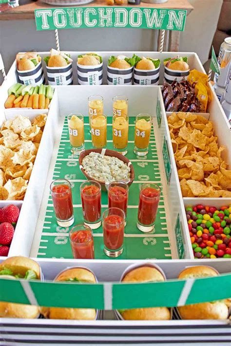 Adorable Super Bowl Table Decoration Ideas 01