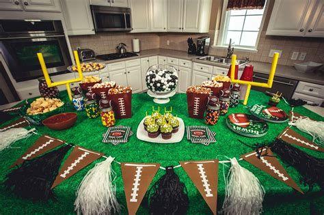 Adorable Super Bowl Table Decoration Ideas 02
