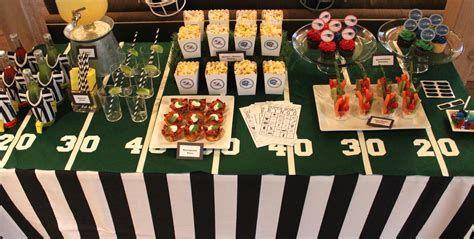 Adorable Super Bowl Table Decoration Ideas 05