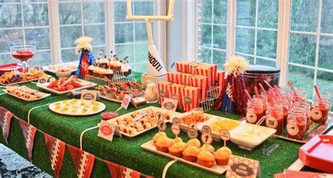 Adorable Super Bowl Table Decoration Ideas 09