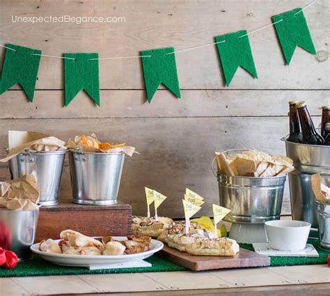 Adorable Super Bowl Table Decoration Ideas 14