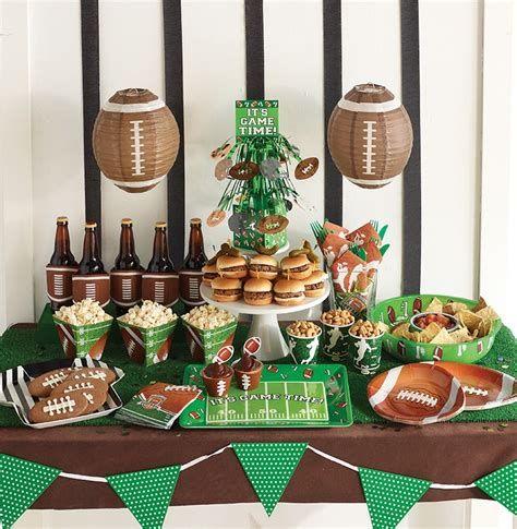 Adorable Super Bowl Table Decoration Ideas 19