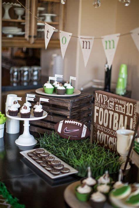 Adorable Super Bowl Table Decoration Ideas 20