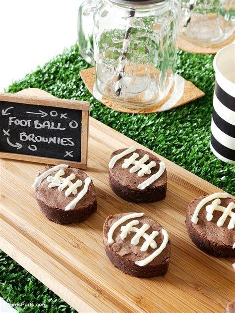 Adorable Super Bowl Table Decoration Ideas 22