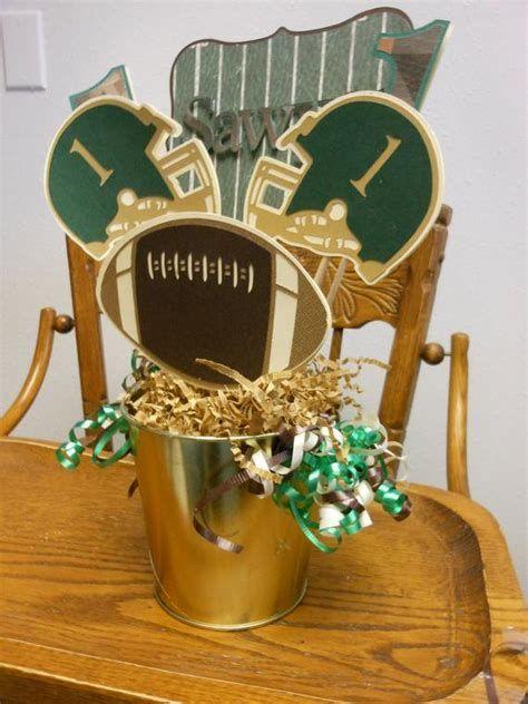 Adorable Super Bowl Table Decoration Ideas 23