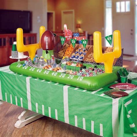 Adorable Super Bowl Table Decoration Ideas 28