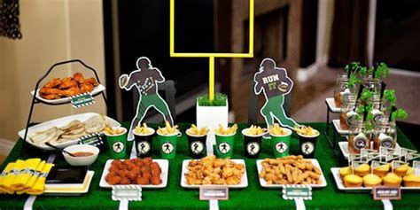 Adorable Super Bowl Table Decoration Ideas 33