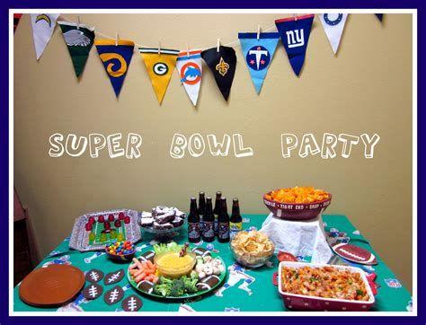 Adorable Super Bowl Table Decoration Ideas 34
