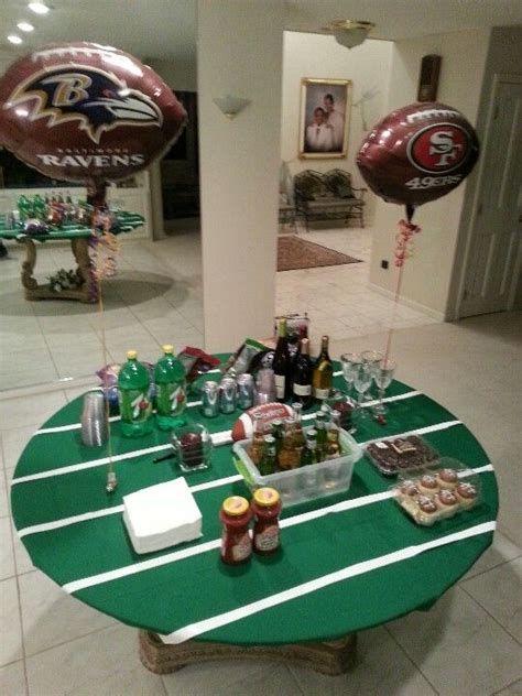 Adorable Super Bowl Table Decoration Ideas 39