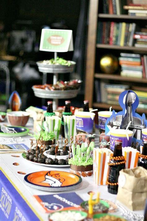 Adorable Super Bowl Table Decoration Ideas 40